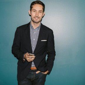 CEO của Instagram: Tín đồ thời trang đíchthực