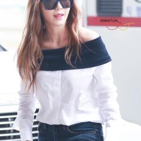 Jessica Jung nghiện combo sơ mi –jeans