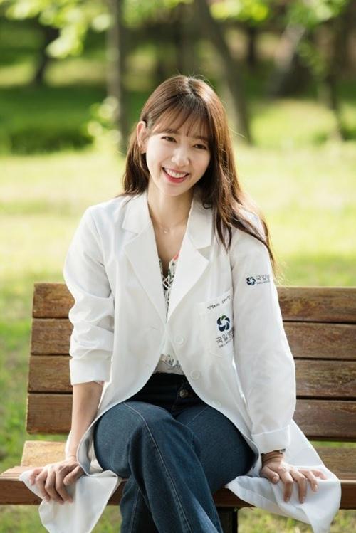 ao-so-mi-nu-Park-Shin-Hye-1