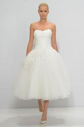 10 mẫu váy cưới ngắn đẹp nhất sàn diễn mùathu